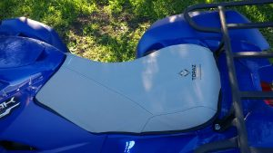 YFM700 YAMAHA Kodiak fitted with a Topaz Seat cover